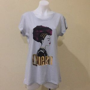Tops - NWT Queen grey graphic T shirt